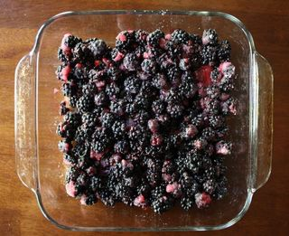 Yummy Wednesday:  Blackberry Crumble Top