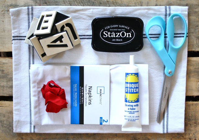 Cheap and Chic Napkin and Placemat Set