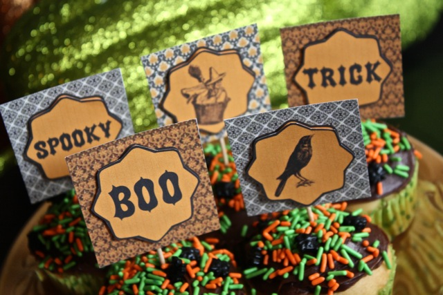 Very Vintage Halloween Cupcakes and Table