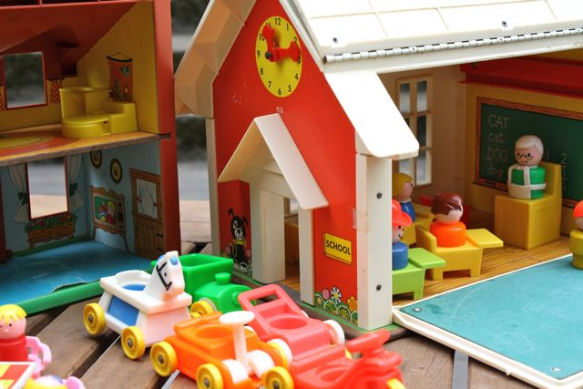 Fisher-price-vintage-schoolhouse