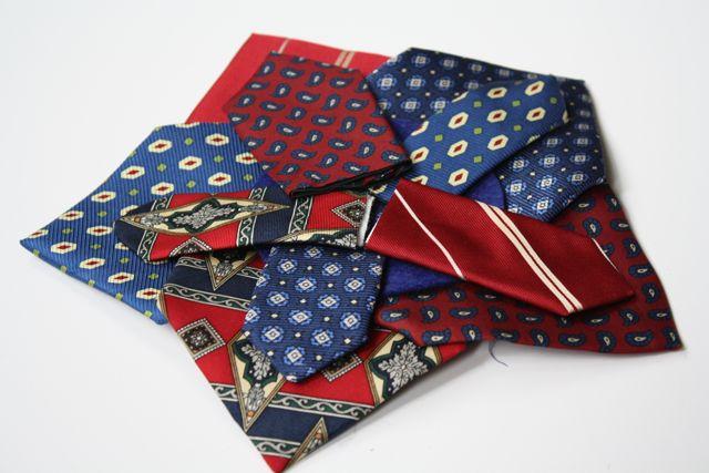Necktie Wreath Star 2