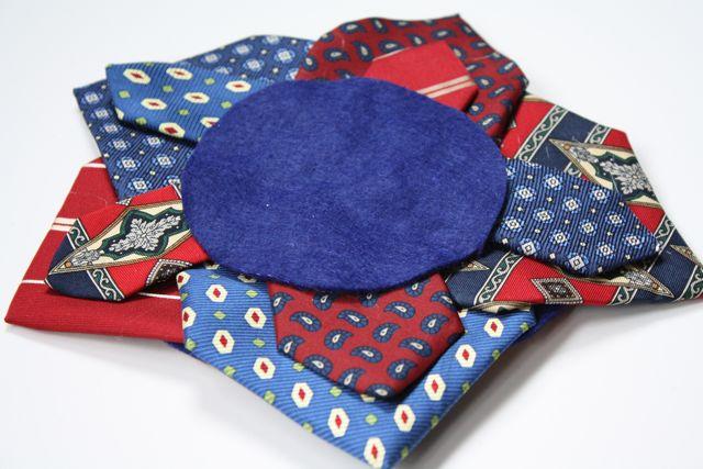 Necktie Wreath Star 3