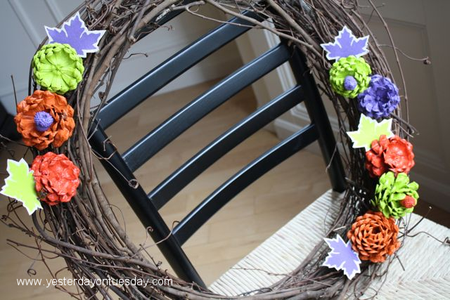 Easy Rose Wreath - Yesterday on Tuesday #marthastewarthalloween