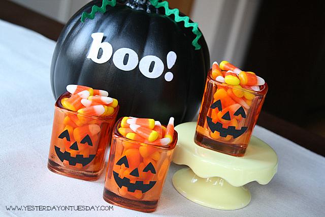 Jack-o-Lantern Candy Corn Cups - YoT #halloween
