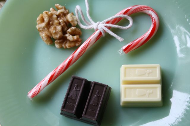 Candy Cane Chocolate Bars - Yesterday on Tuesday #candycanes #christmas #dessert