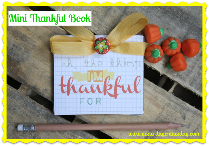 FREE Mini Thankful Book