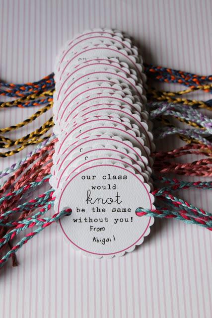 Friendship Bracelet Valentine - Dandee Designs #dandeedesigns #valentines #kidsvalentines #valentinesday