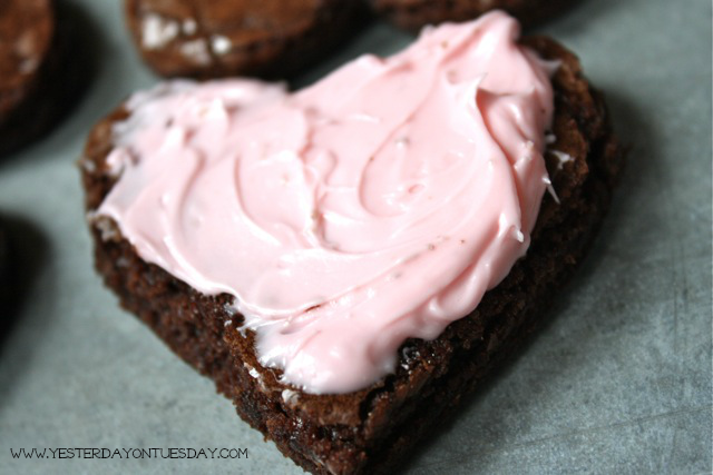 Sweet Heart Brownies - YoT #valentinesday #brownies