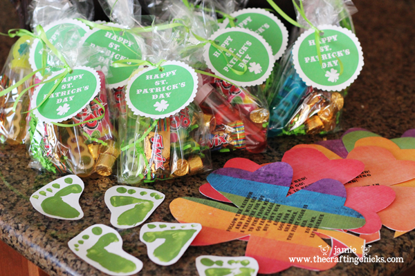 Leprechaun Loot - The Crafting Chicks #stpatricksday #stpatricksdaycrafts #greencrafts