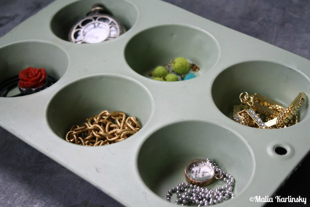 Jewelry Organization - YoT #jewelryorganization #bathroomorganization #yesterdayontuesday