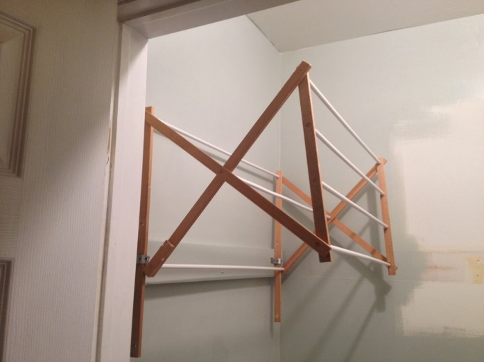 DIY Laundry Drying Rack from Two It Yourself
