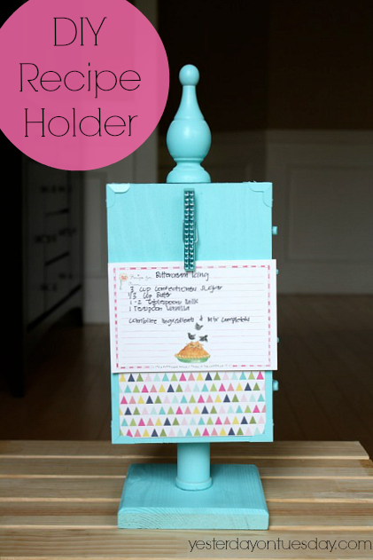 DIY Recipe Holder #mothersdaygifts #recipeholder #diyrecipeholder