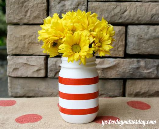 DIY Patriotic Mason Jar Vases