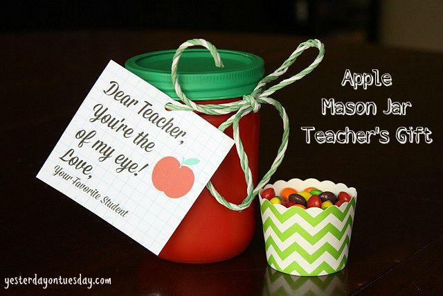 Apple Mason Jar Teacher Gift by Yesterday on Tuesday