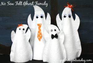 Make a darling Felt Ghost Family #halloweencrafts #feltcrafts