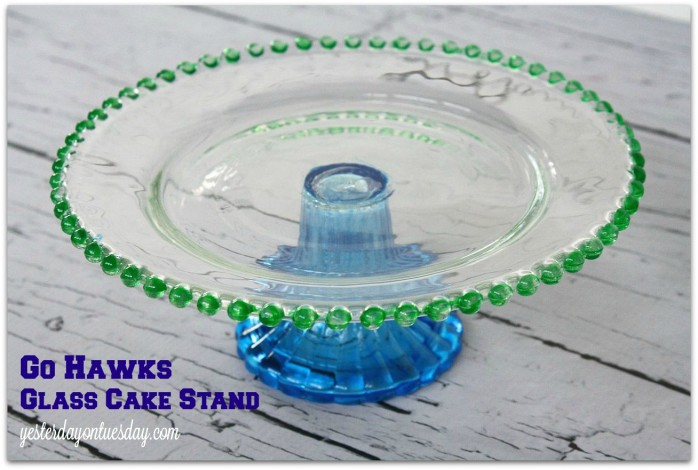 Transform a plain cake stand into a green and glue Hawks cake stand #seahawks