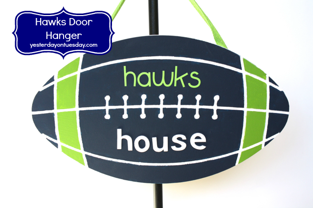 Hawks House Door Hanger from http://yesterdayontuesday.com #seahawkscrafts