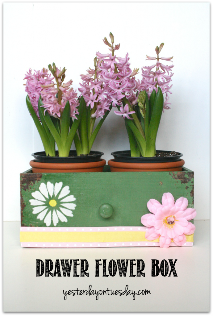 Make a delightful flower box out of a drawer, great spruce up for spring