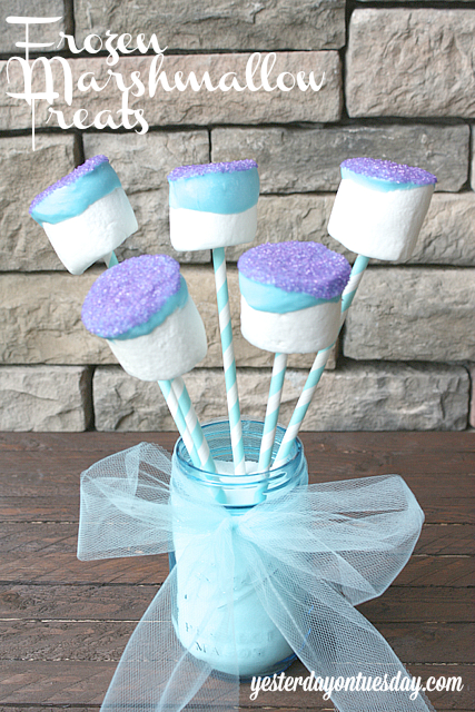 Frozen Marshmallow Treats in a Mason Jar #frozen #masonjar