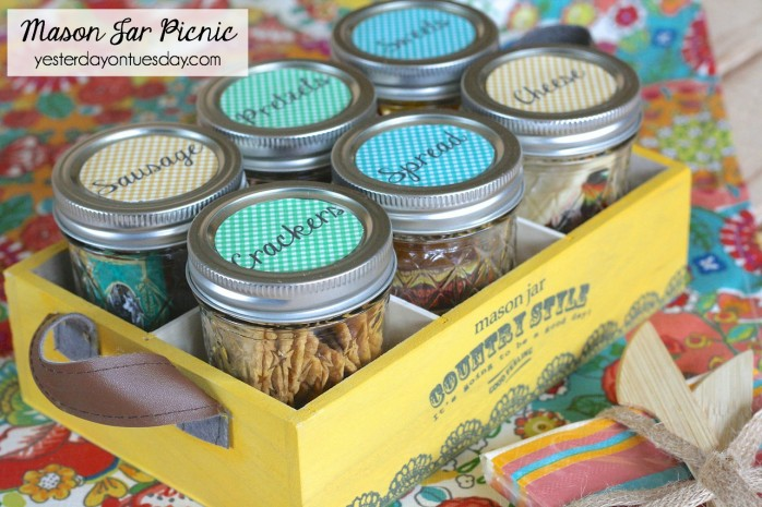 DIY Mason Jar Picnic with free printable labels, a fun summertime project for all your outdoor adventures and events.