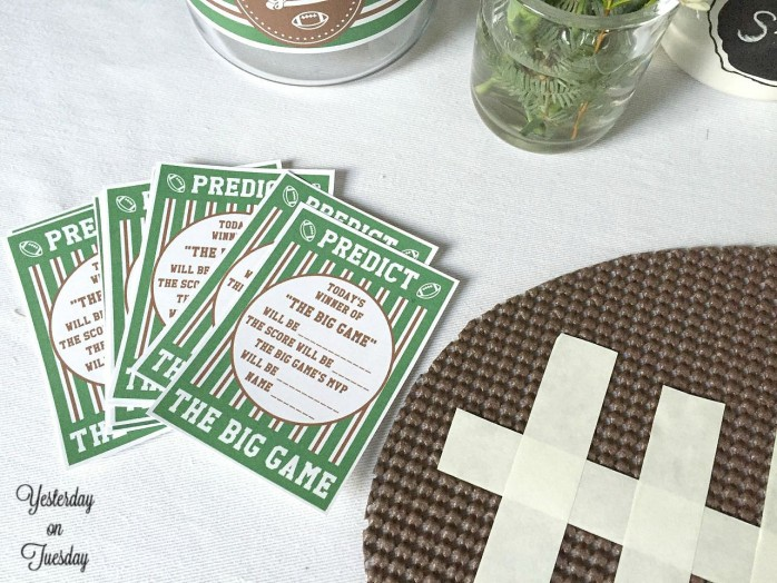 DIY Fast Football Placemats, great for entertaining during football season. You won't believe how easy they are to make.