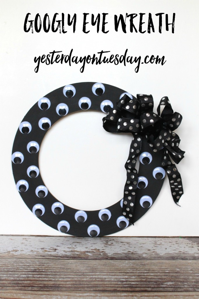 Googly Eye Wreath kid's craft