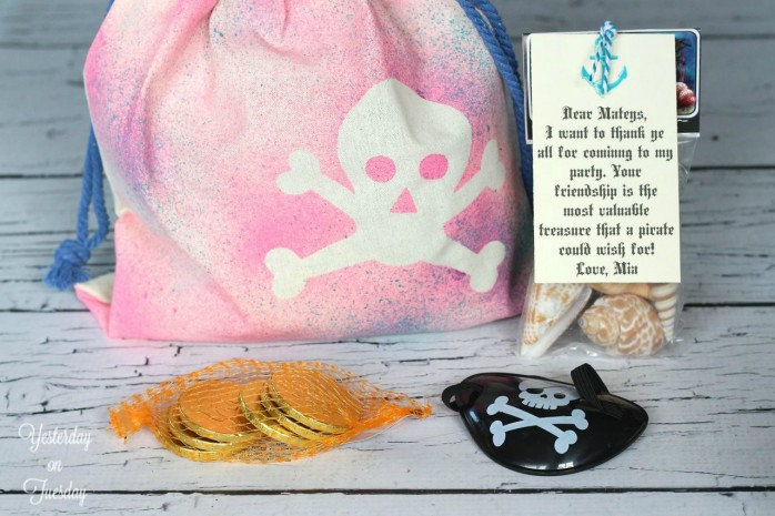How to make a DIY pretty pirate booty bag, great for kid's parties