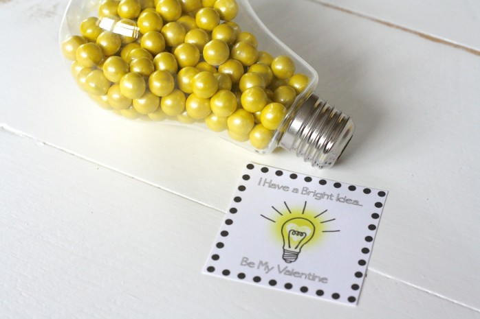 Cute printable gift tags for this light bulb Valentine's Day gift idea.