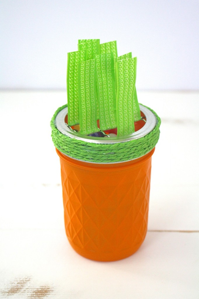 Easter Mason Jar Carrots: A fun craft project for giving Easter treats or Easter decor.