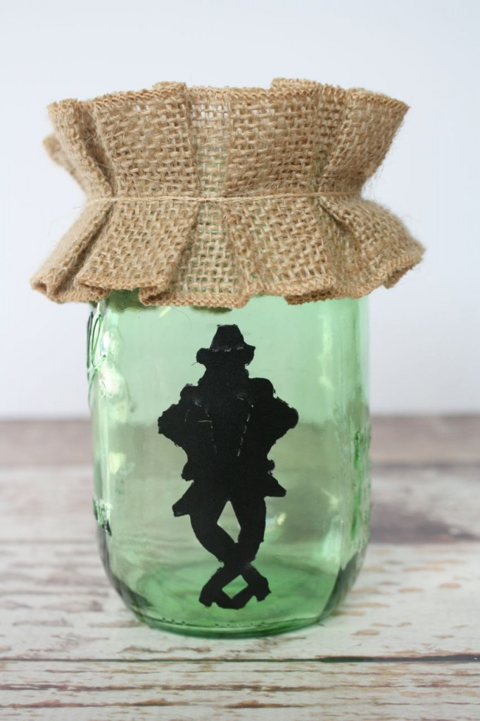 DIY Mason Jar Leprechaun Vase, great for St. Patrick's Day and spring decorating