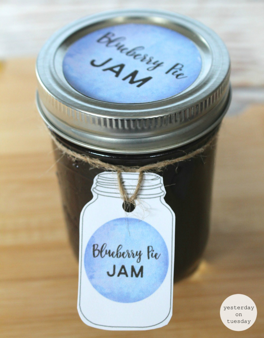 how to make and can blueberry jam