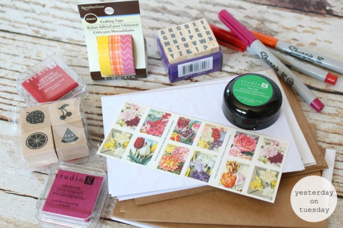 Summer Letter Writing Kit in a Jar with printable mason jar tags