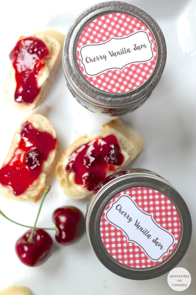 DIY Cherry Vanilla Jam Recipe: Easy to make jam recipe, perfect for sandwiches, appetizers and more. Plus printable tags for a cute presentation. Perfect for gift giving.