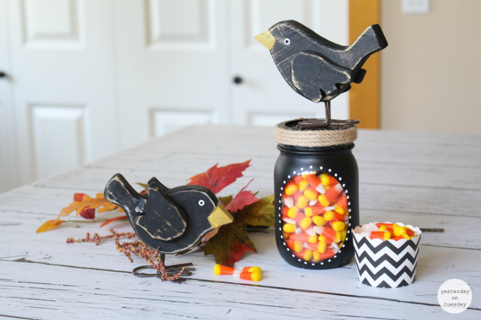 Cute Crow Mason Jar Gift: Fun fall decor or present idea!