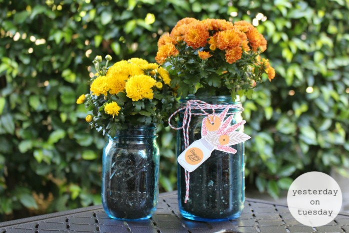 Happy Fall Mason Jar Gift and Tags: Lovely printable tags for gift giving