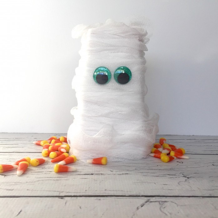 DIY Mummy Popcorn Box, a super simple Halloween craft project