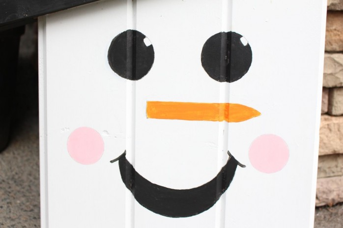 How to make a Sweet Snowman Door Hangar, great decor for Christmas and the holidays