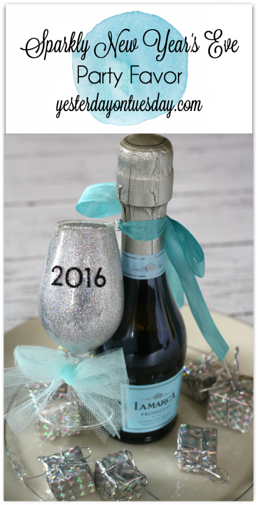 Sparkly New Years Eve Party Favor Idea.
