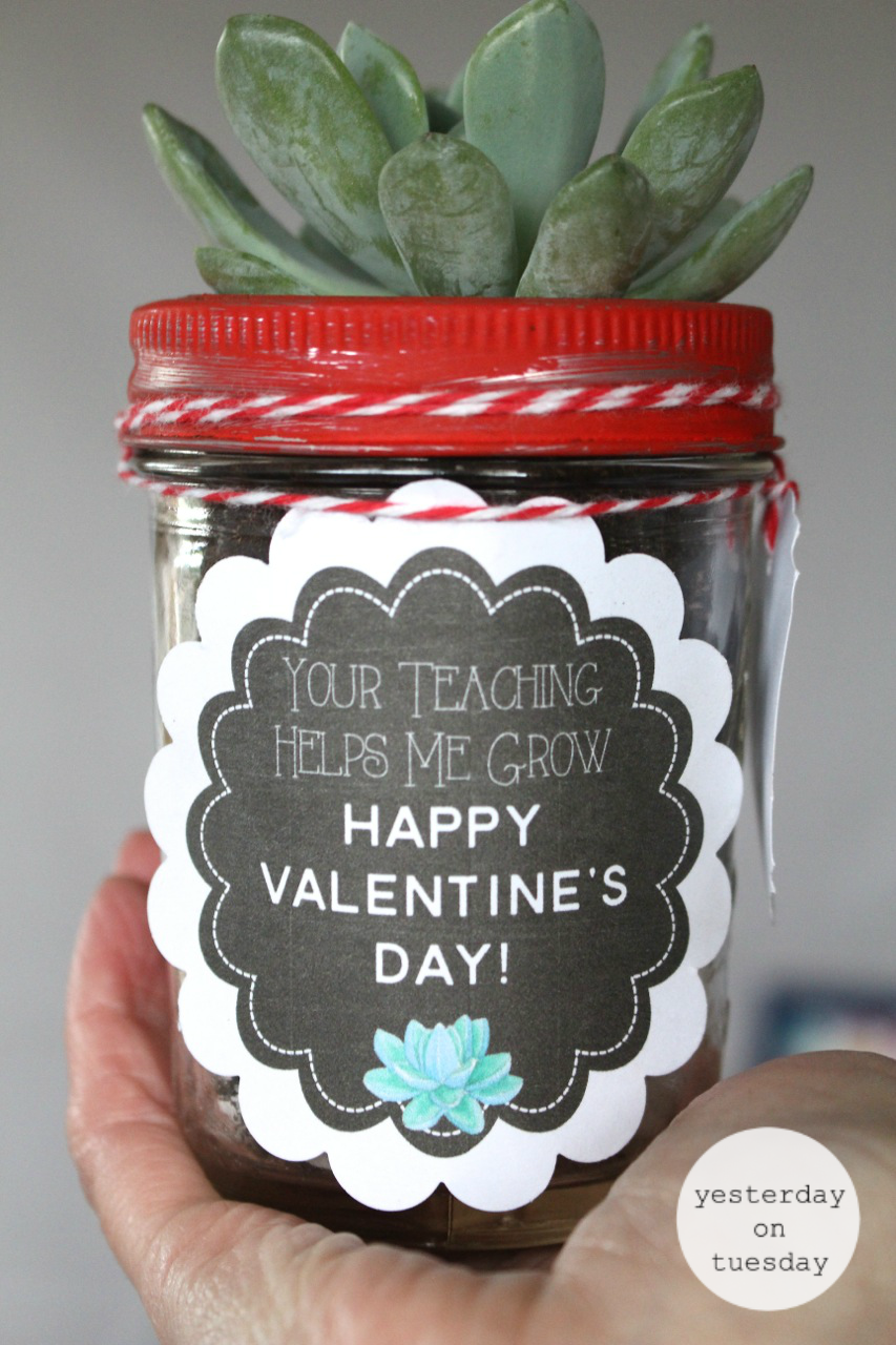 A Dozen Mason Jar Gifts for Teachers | Yesterday On Tuesday