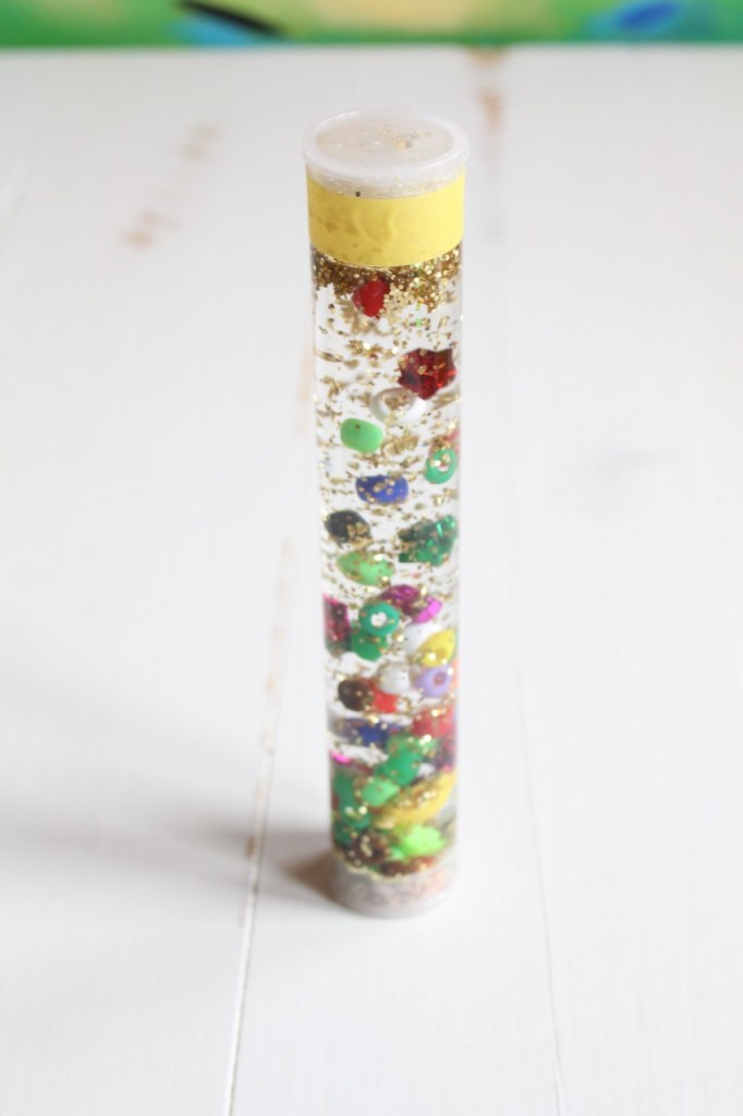 DIY Sensory Bottle: How to make a sensory bottle, great craft for kids.