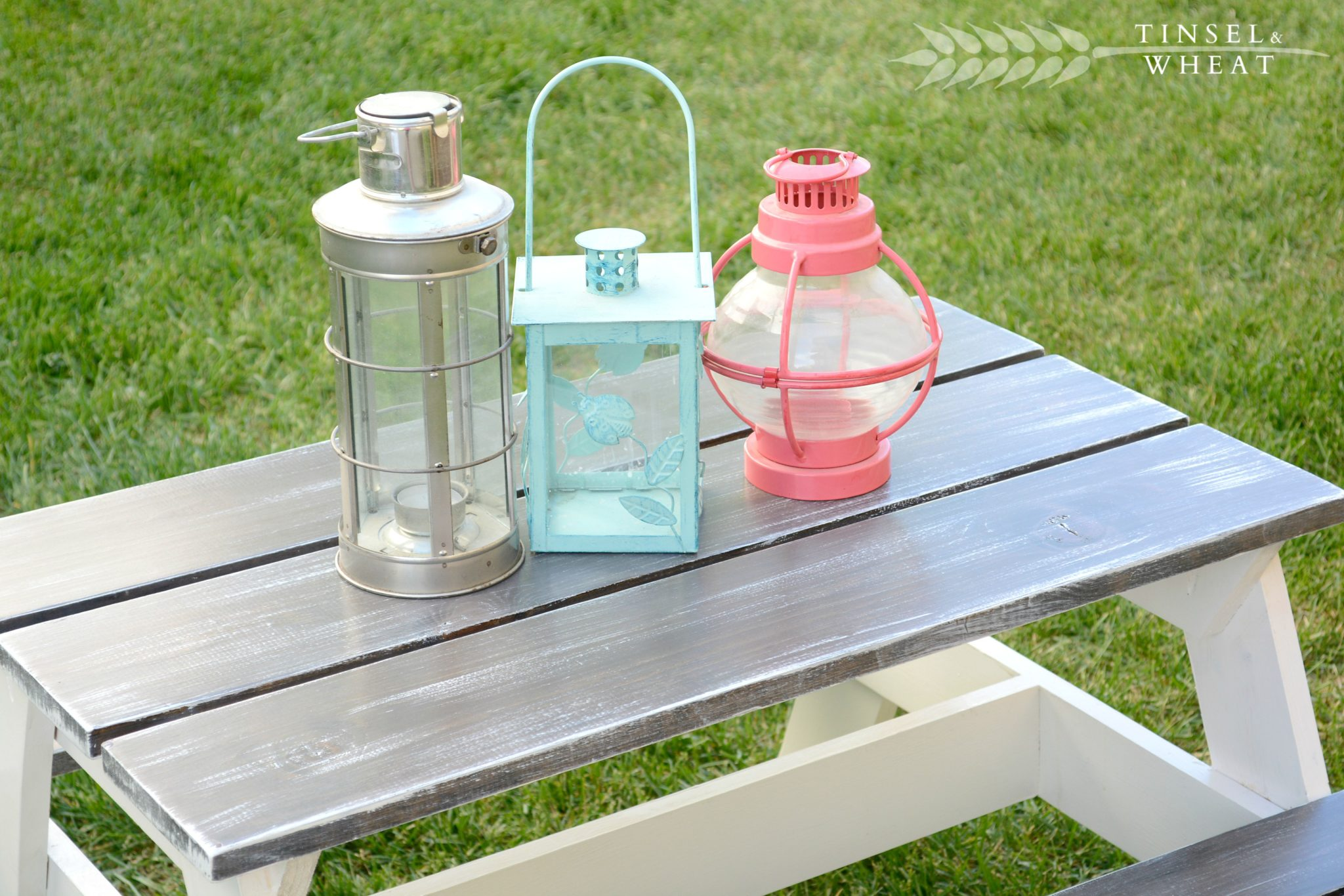 DIY Children's Picnic Table from Tinsel and Wheat