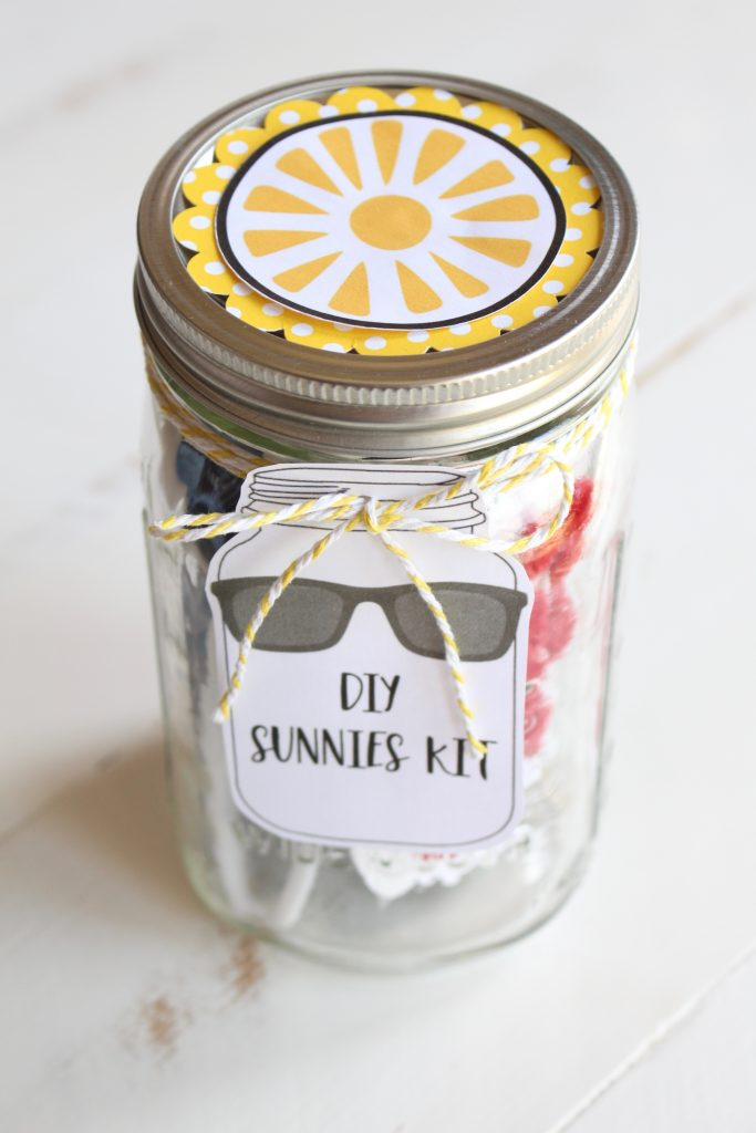 Sunnies Kit in a Mason Jar
