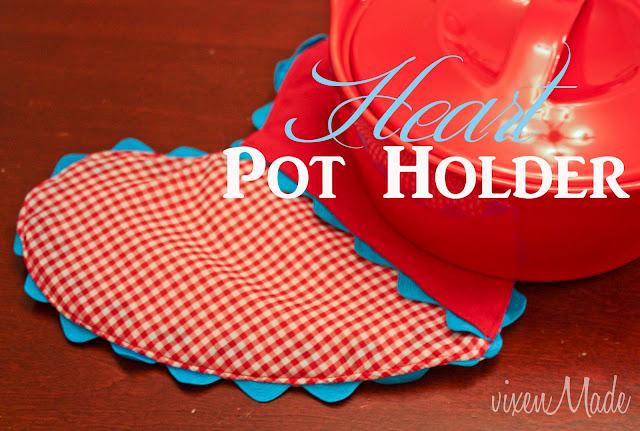 Heart pot holder