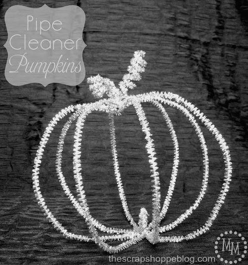 Pipe cleaner pumpkins