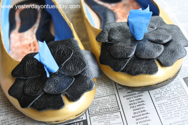 Painted Poinsettia Shoes - Yesterday on Tuesday #tulip #martha stewart crafts #christmas #poinsettia