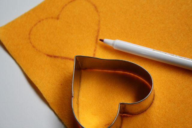 Valentine Heart Sachets - Yesterday on Tuesday #valentinesday #valentinecrafts