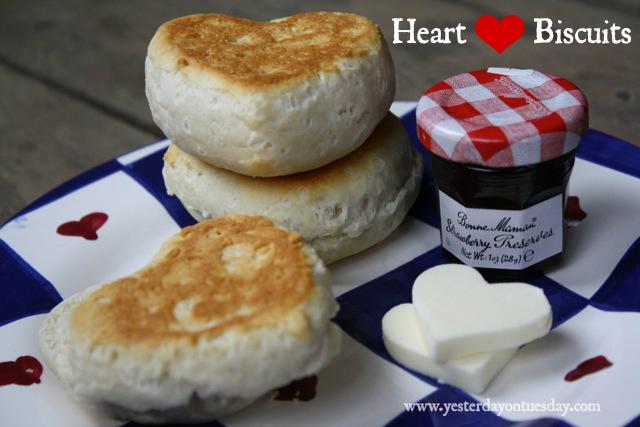 Valentine's Day Breakfast - YoT #valentinesday #valentinesdayfood #valentinesdaybreakfast #biscuits