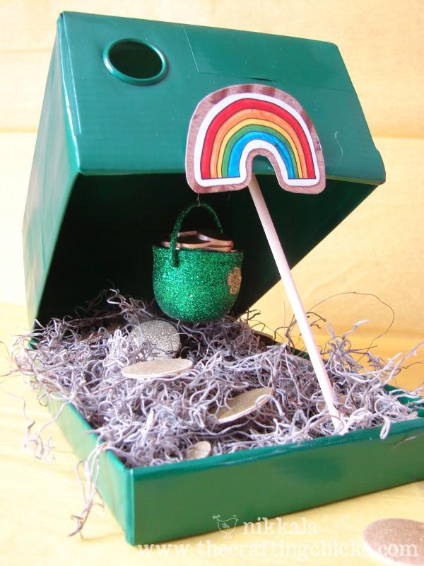 Leprechaun Trap - The Crafting Chicks #stpatricksday #stpatricksdaycrafts #greencrafts
