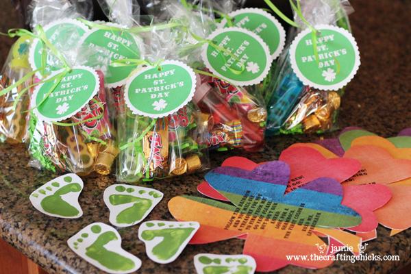 Leprechaun Loot - The Crafting Chicks #stpatricksday #stpatricksdaycrafts #greencrafts