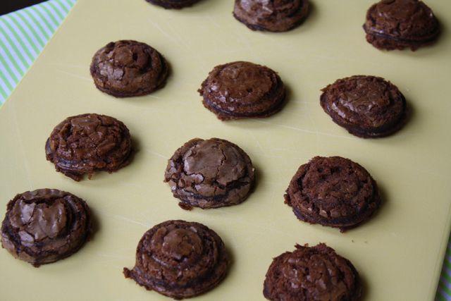 Mint Oreo Brownie Push Pops - #pushpops #mintbrownies #stpatricksdaytreats #yesterdayontuesday